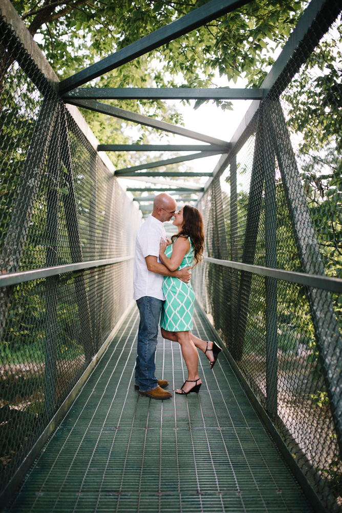 kiss-bridge-engagement.jpg