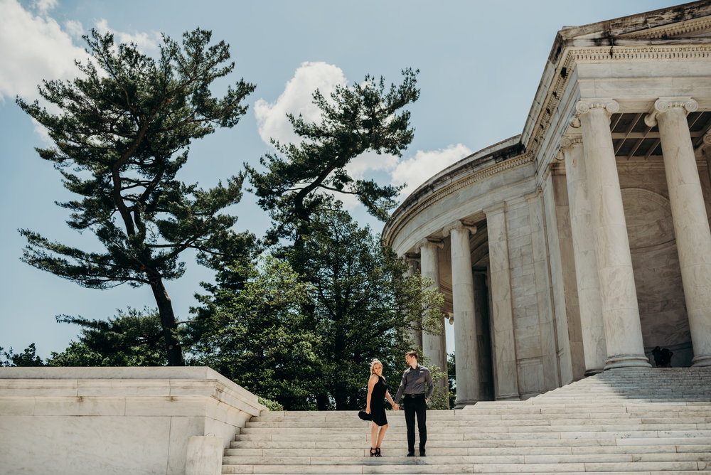 engagement session on steps of Thomas Jefferson Memorial