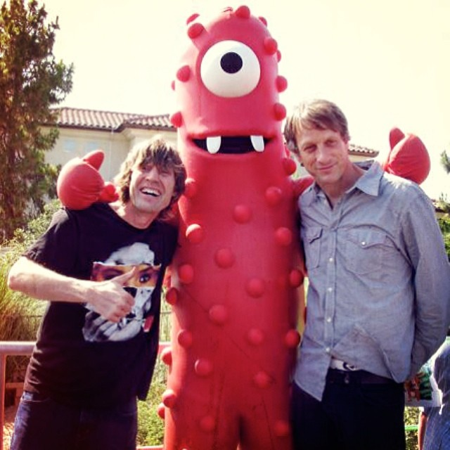 Doesn't matter how surreal the company is, hanging out with @tonyhawk will always be one of my favorite things to do. #YoGabbaGabba