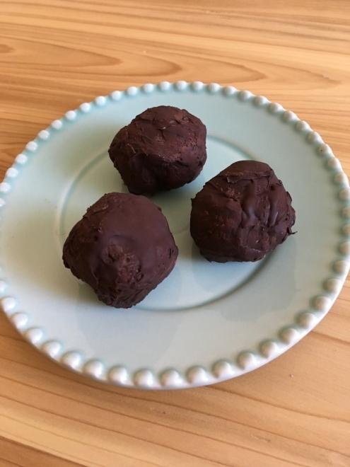Rawcookiedoughballs.jpg