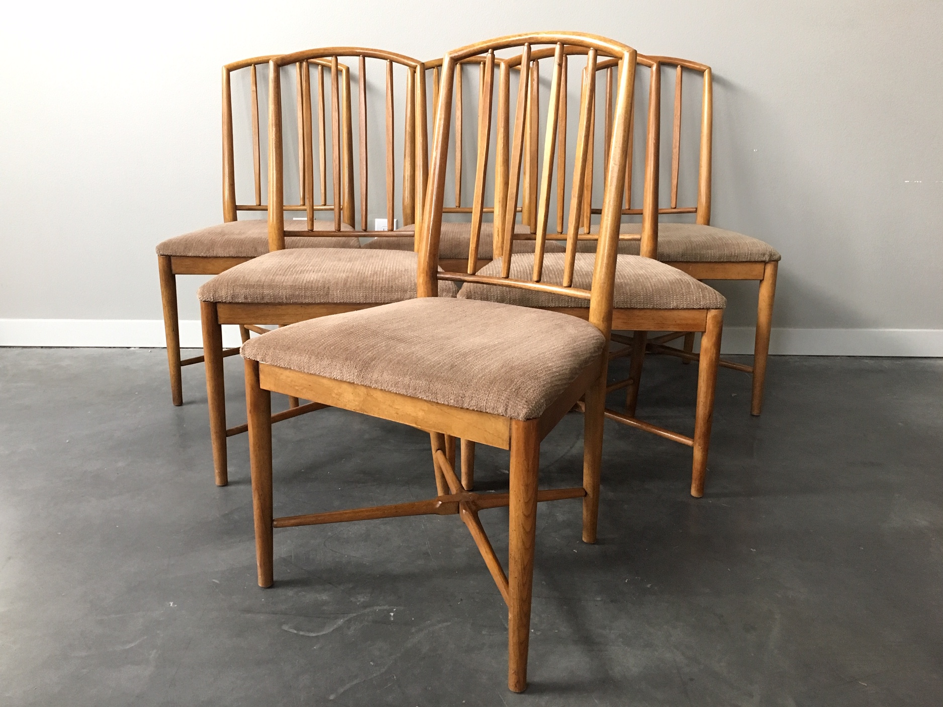 Set Of 6 Of Vintage Mid Century Modern Drexel Dining Chairs Rerunroom Vintage Furniture Home Decor
