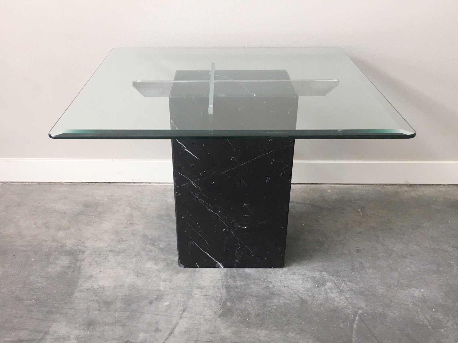 Vintage Black Marble Side Table Rerunroom Vintage Furniture Home Decor