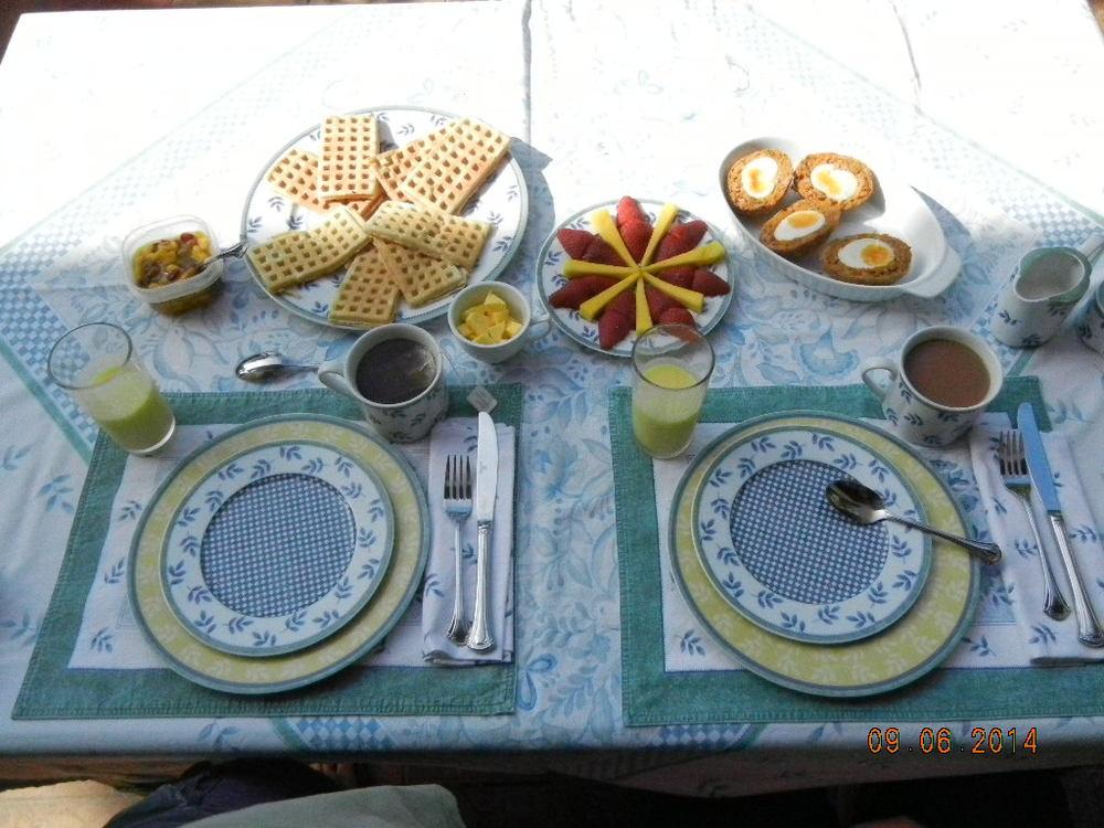 Breakfast 9.6.14.JPG