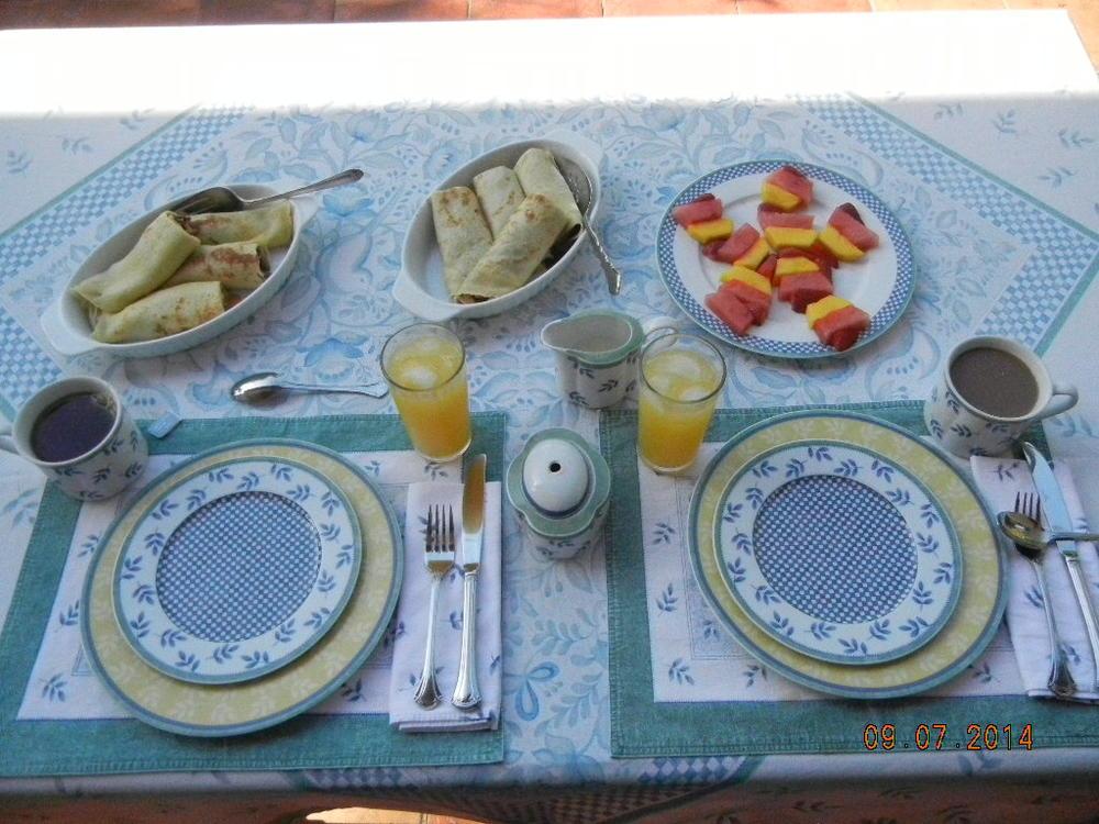 Breakfast 9.7.14.JPG