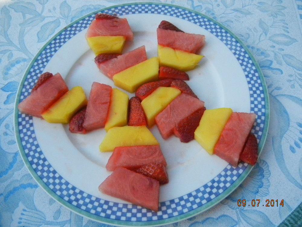 Fruit 9.7.14.JPG