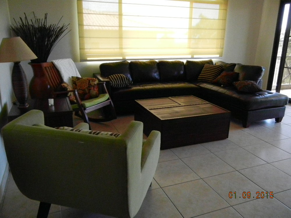LM - Living room.JPG