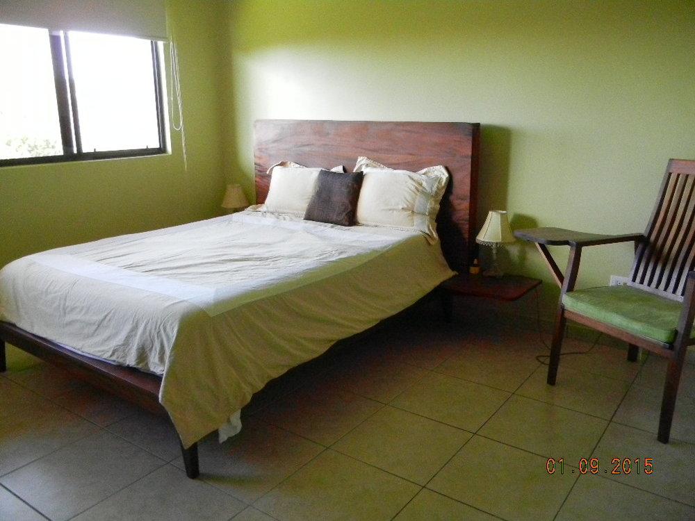 LM - Mstr Bdrm bed.JPG