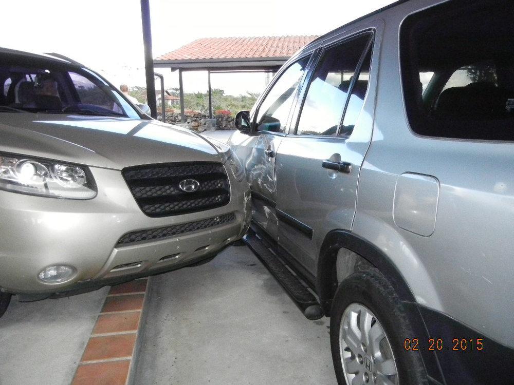 2005 Honda CRV Damage_0002.JPG