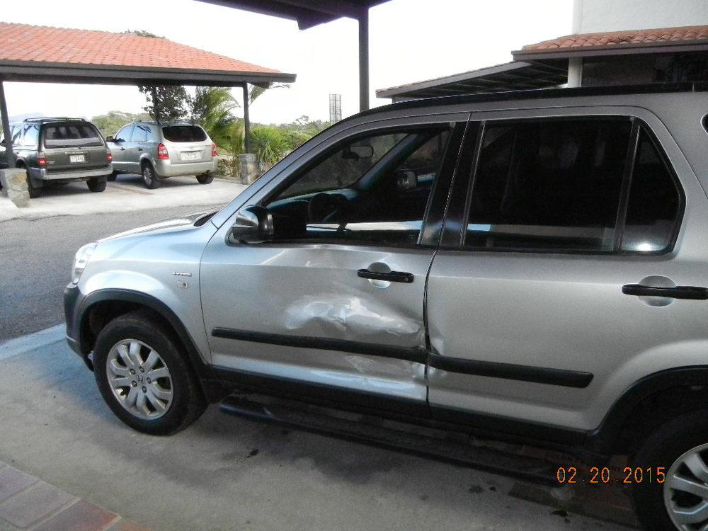 2005 Honda CRV Damage_0006.JPG