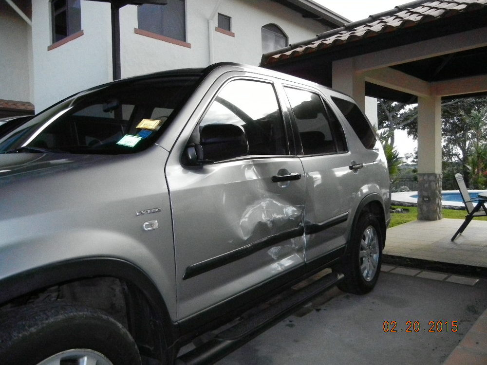 2005 Honda CRV Damage_0007.JPG