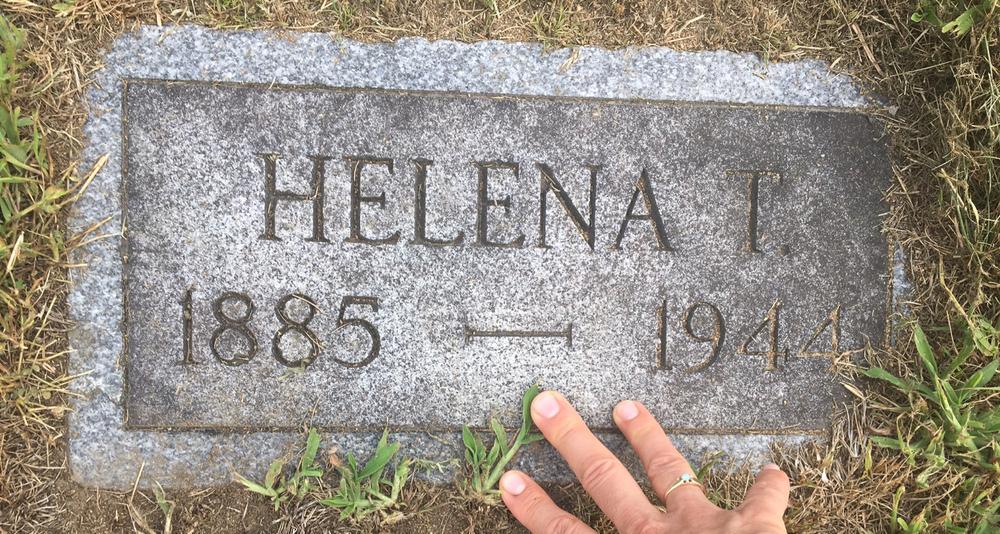 helenat (1).jpg