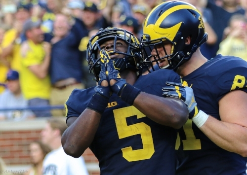 Photo: Andy Shippy (Jabrill Peppers thanks someone above for his 54-yard punt-return TD vs. Colorado)
