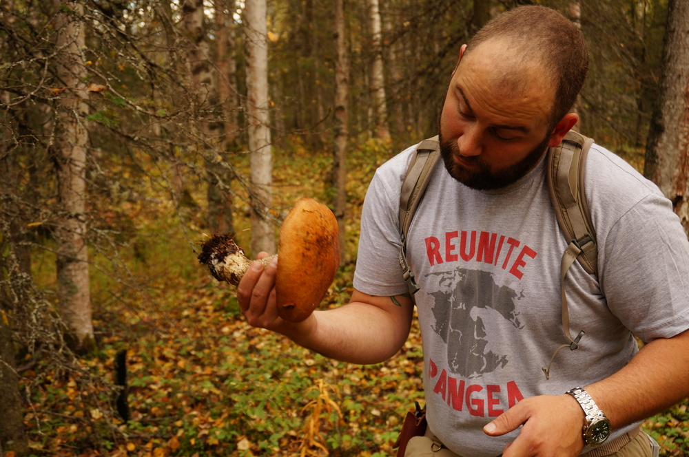 Tony with a nice-looking Birch Bolete. 1/60 shutter, f/4.5, ISO 160