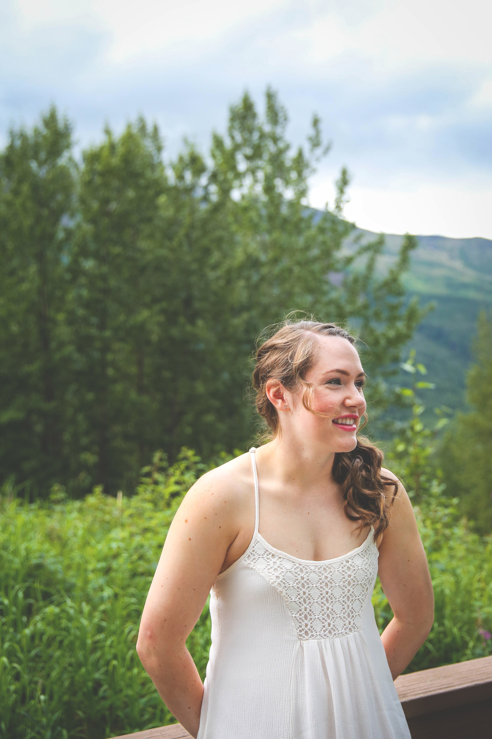 Hannah was one of those enviable brides who just makes it all look so easy! She was absolutely stunning, and was a real trooper when it came to hiking in heels and suffering through the mosquito attacks.