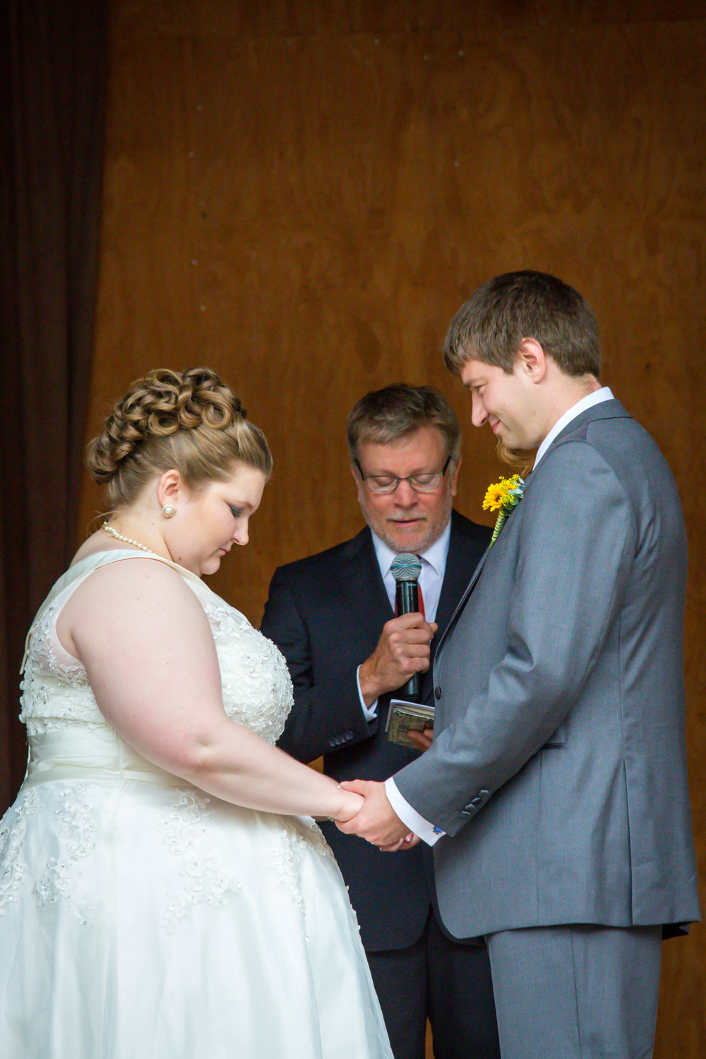 See what I mean?! He can't even take his eyes off of her during this moment of prayer. I love this image.