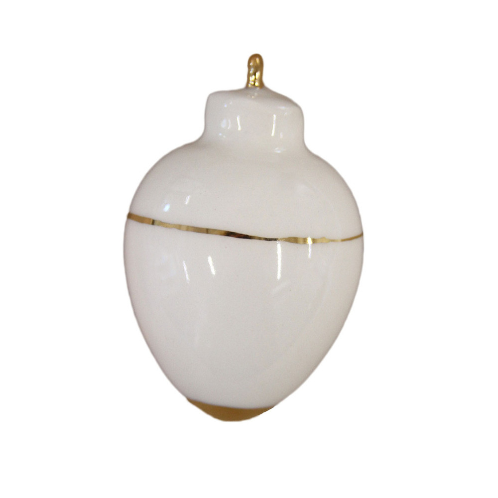 These gold and ivory ornaments are perfect to scatter down the runner, the perfect accent to pick up the white from my china and everyday wear.
