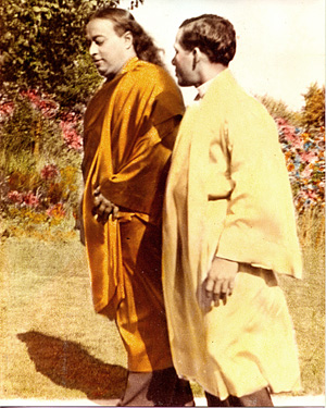 Swami Yogananda Paramhansa and Swami Premananda Giri