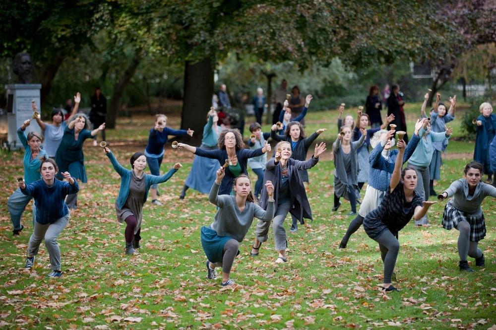 Square Dances ©Hugo Glendinning