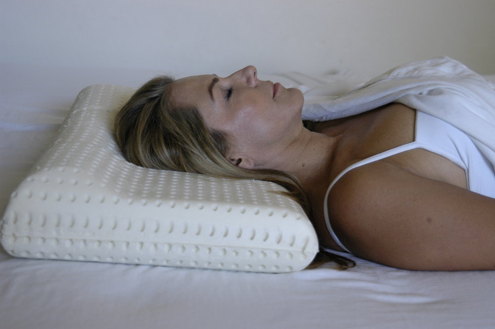 Benefits of Back-Sleeping The Back-to-Sleep Pillow provides the ultimate comfort for back-sleeping. There are many reasons for sleeping on your back. Dermatologists recommend sleeping on your back to reduce wrinkles, if you use a CPAP machine sleeping on your back is usually most comfortable, have you had a recent surgery such as knee replacement or breast augmentation, or do you suffer from acid reflux and use a wedge pillow to sleep on your back?