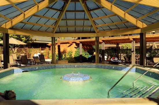 calistoga-spa-hot-springs.jpg