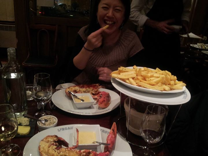 Blue Lobster from Brittany with mornay sauce  布列塔尼半岛蓝龙虾配白汁