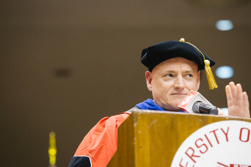 Scott Kelly giving his speech to 2016 graduates.