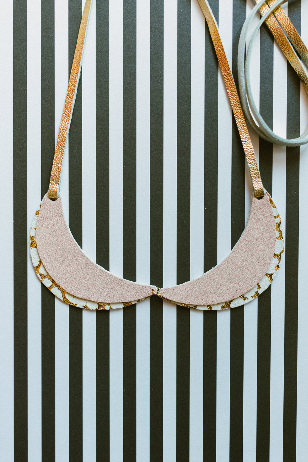 Pink & Gold Peterpan Collar.