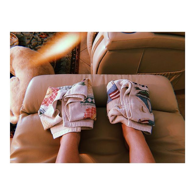 Sitting here with ice packs on my feet because after going grocery shopping the neuropathy is so bad my toes feel like they're on fire. . This is what life with MS looks like. . . . . . #thisisms #ms #multiplesclerosis #lifewithms
