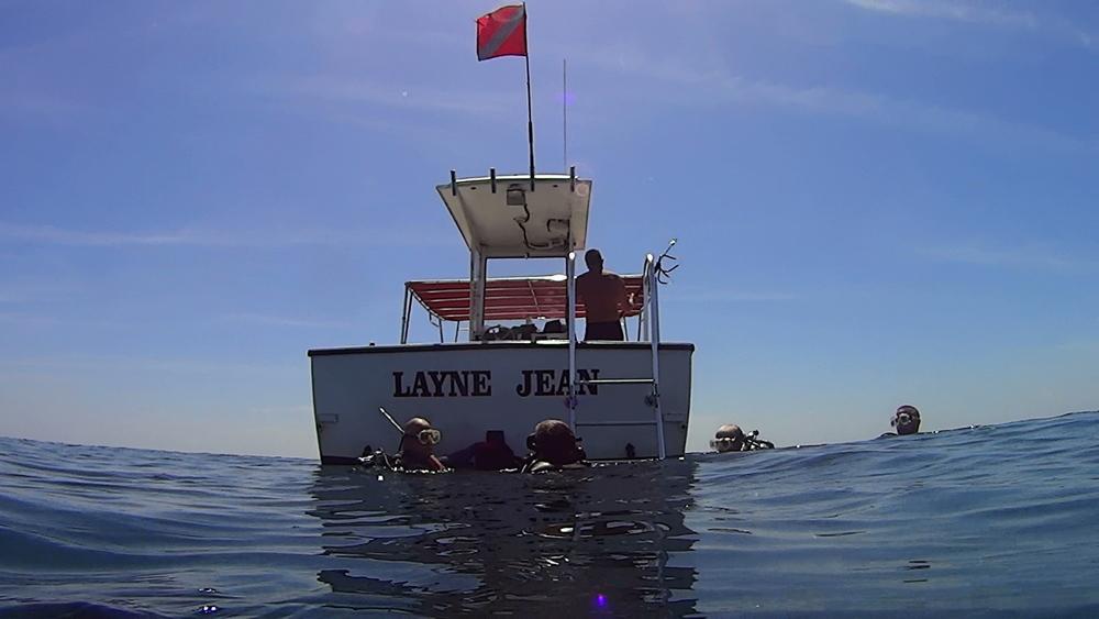 Sea Dog's 30' dive boat
