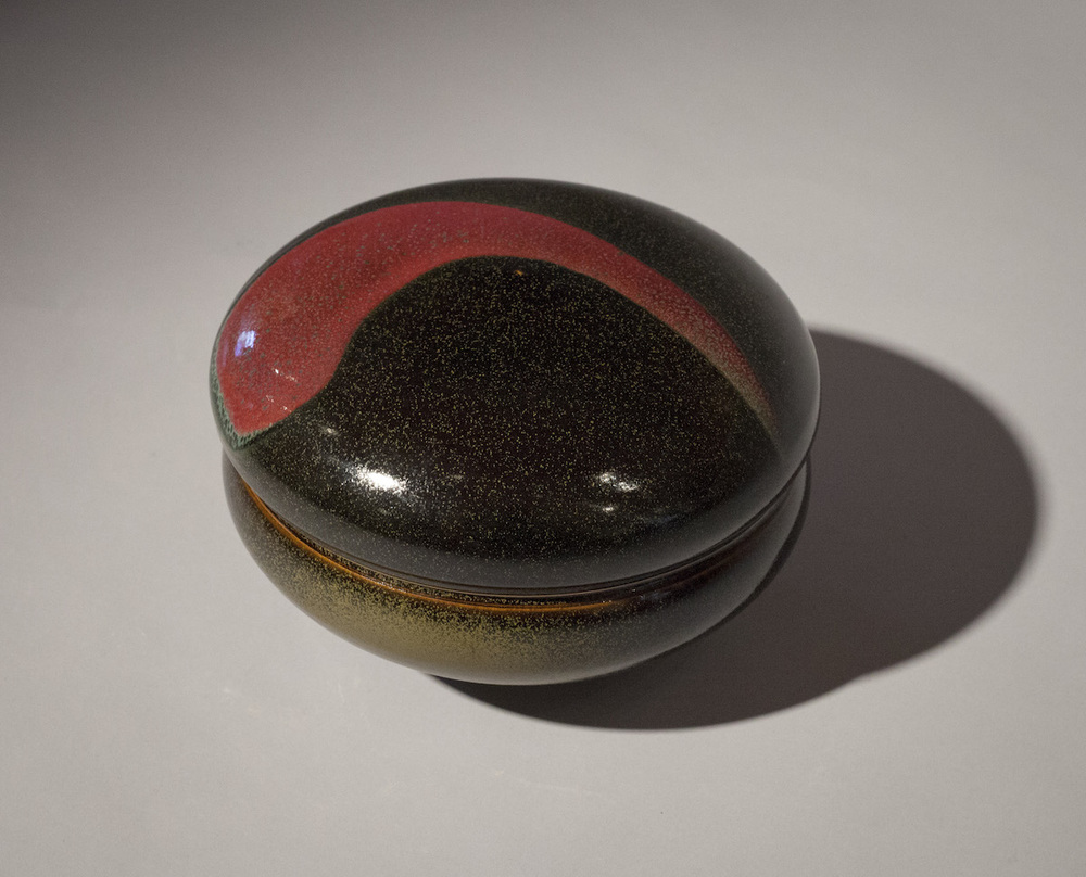 Tom Coleman, Black Tea Dust Lidded Jar, porcelain ceramic vessel, functional, pottery, Sherrie Gallerie