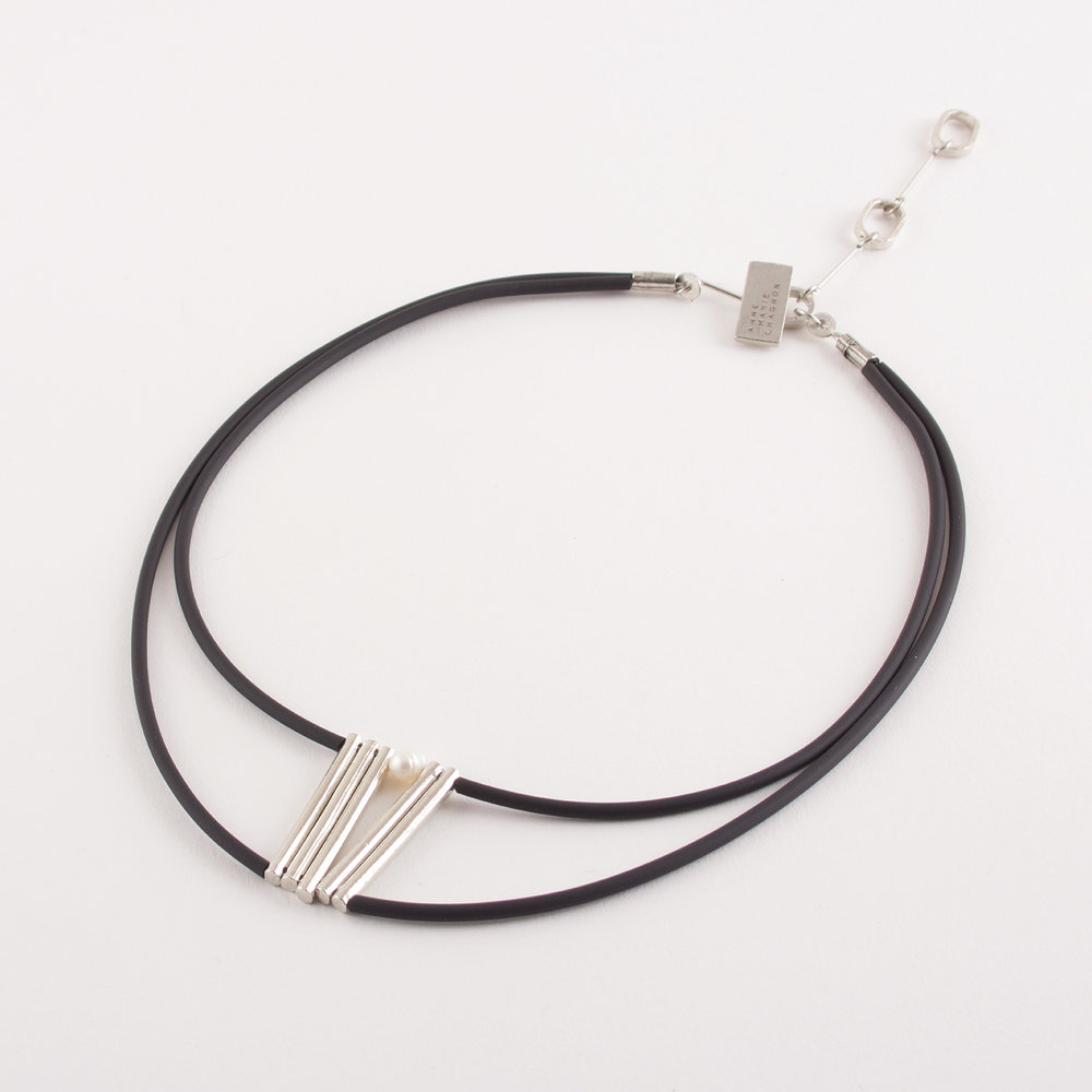 AnneMarieChagnon_2018_Colliers-Necklaces_Ellou_Etain-Pewter_Argente-Silvery_Perle-Pearl_PVC-1.jpg