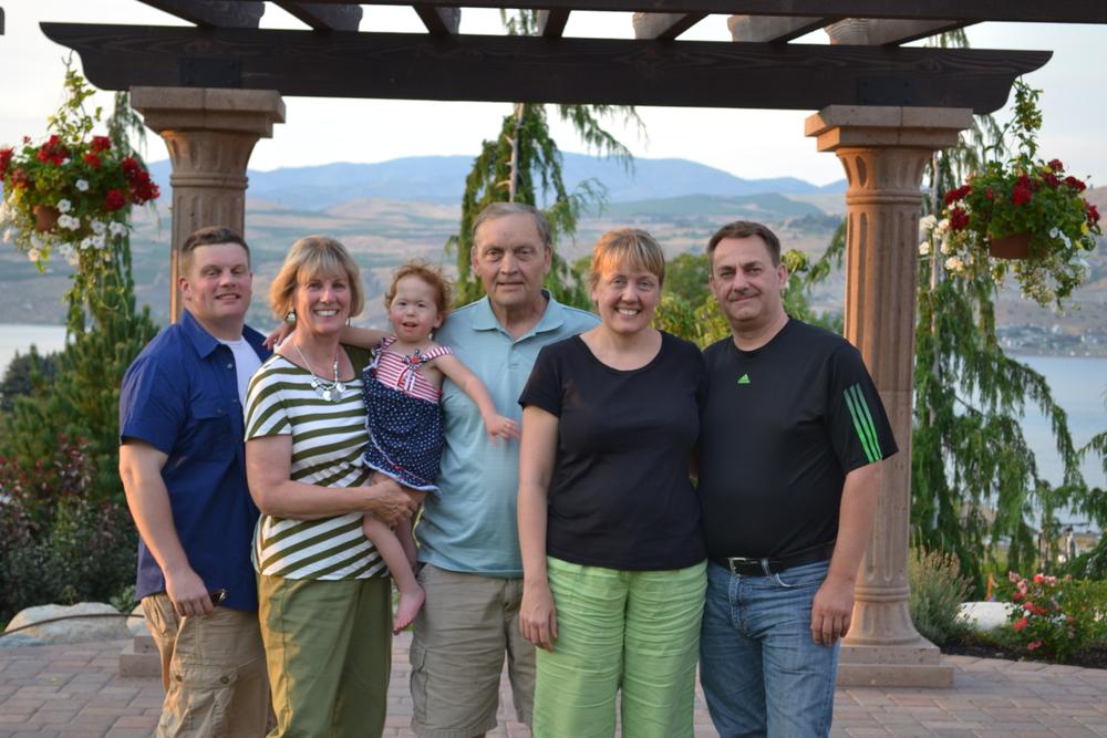 Neuroth Family