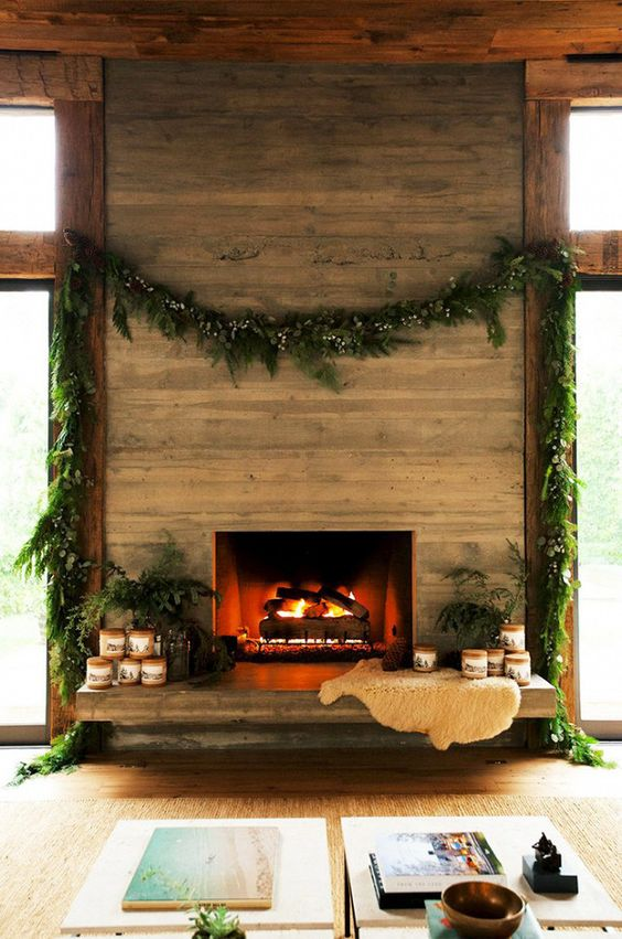 Christmas garland on fireplace.jpg