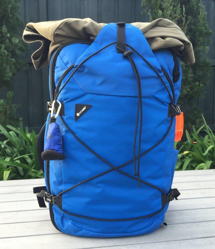 Pacsafe Venturesafe 45L EXP45 Carry-on Backpack fatal flaw ... f13d9ba4be17e