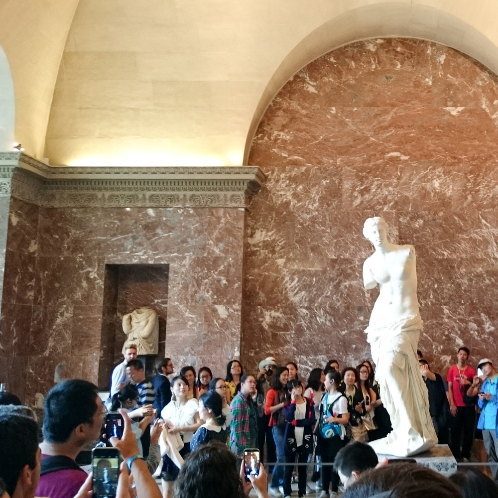 Musée du Louvre - view of the Venus de Milo