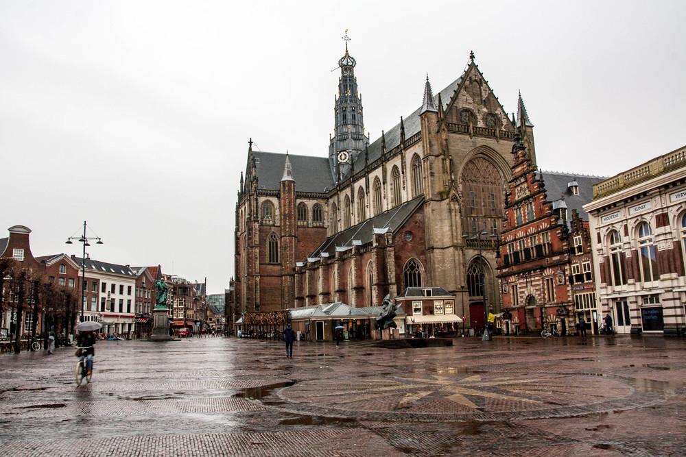 Grote Kerk in the rain