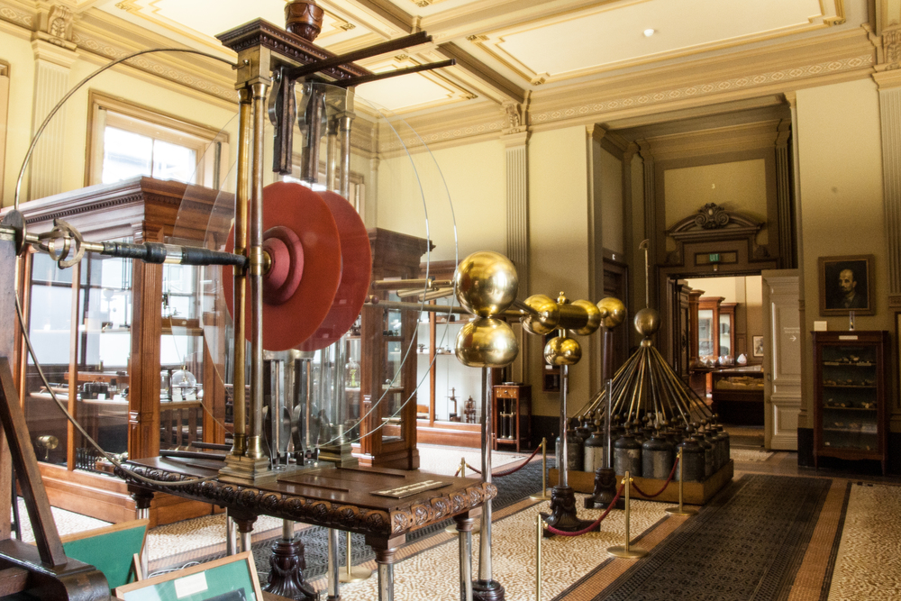 Teylers Museum Instrument Room  Electrostatic Generator