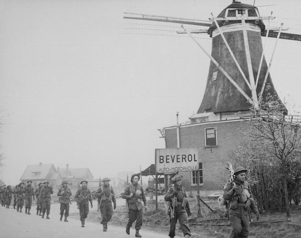 Canadian Infantry of the Regiment de Maisonneuve moving through Holten to Rijssen, Netherlands on April 9th, 1945 - Source:  Wikipedia