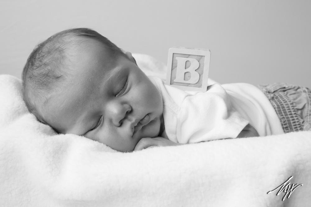 Brody_Newborn_BW-9_mw.jpg
