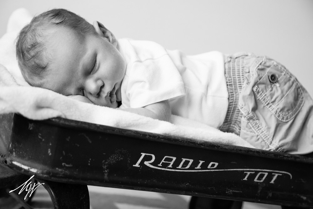 Brody_Newborn_BW-10_mw.jpg