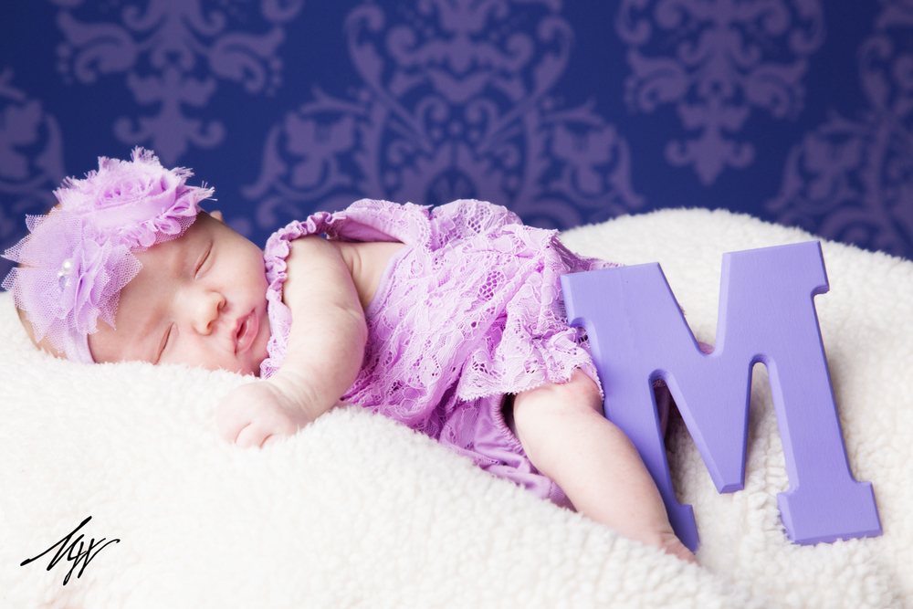 Click on this image to see all of the images from this sweet newborn session!