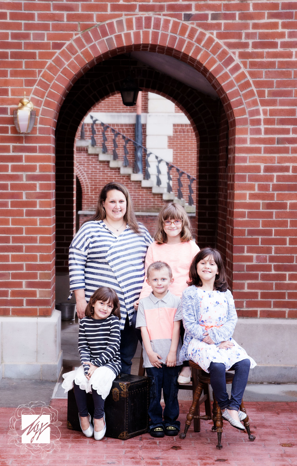 """To see more images of the Dyerson family, go to the """"Client Access"""" tab and enter their viewing gallery!"""