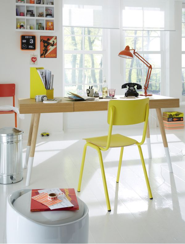 simple-colofrul-desk.jpg