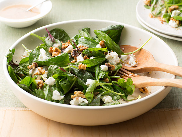 FNK_Spinach-Salad-with-Goat-Cheese-and-Walnuts_s4x3 (1).jpg