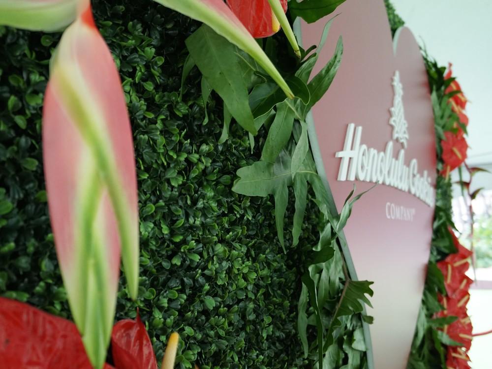 Curate-Honolulu-Cookie-Company-Valentines-Florals.JPG