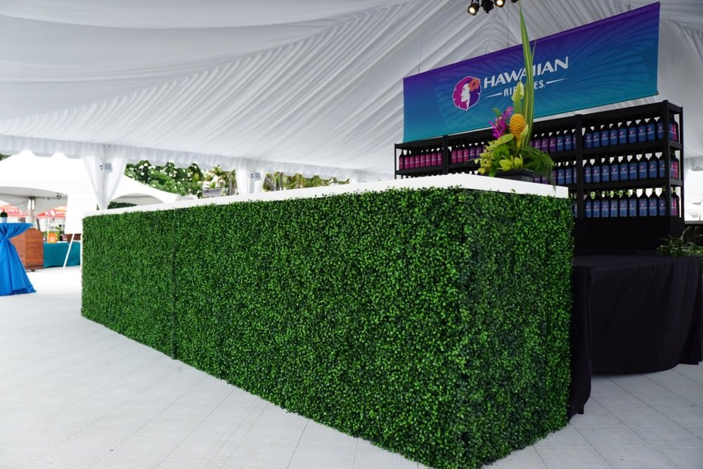 Curate-Corks-and-Forks-2015-Boxwood-Bar-Angle.jpg