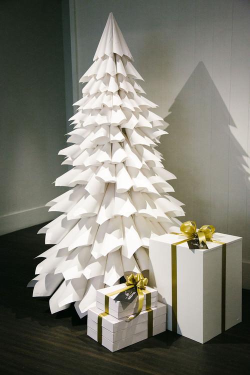 Curate-Modern-Gift-Lobby-Tree.jpg