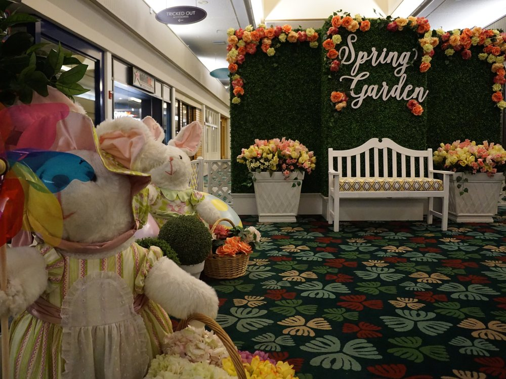 Curate-Kahala-Mall-Spring-Garden-Angle.JPG
