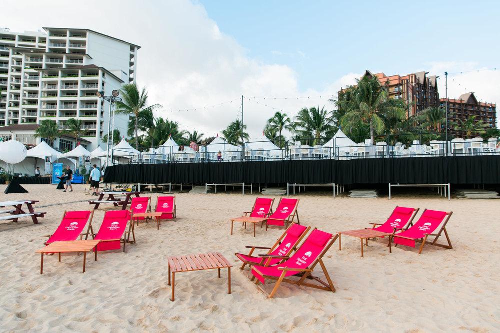 Curate-HFWF-FHB-Beach-Club-Lounge-Chairs.jpg