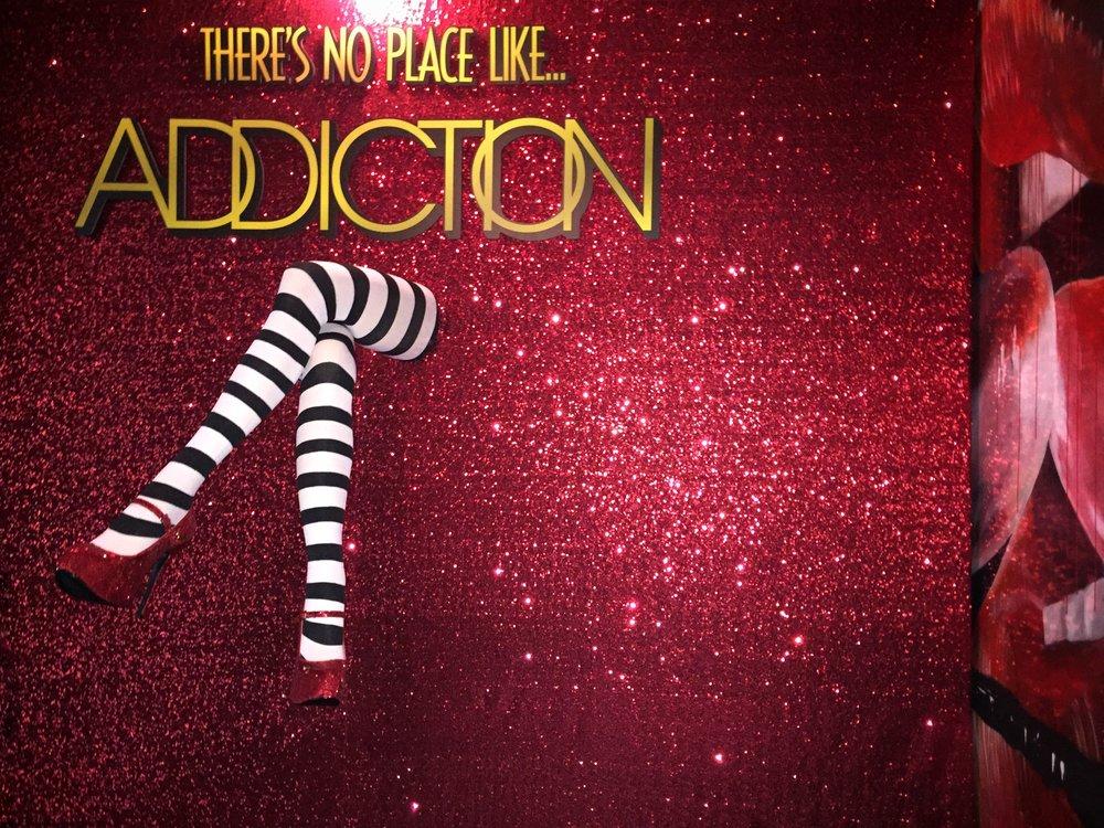 Curate-Modern-Addiction-Halloween-Backdrop-2.JPG